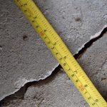 Fissure dans la dalle sur sol